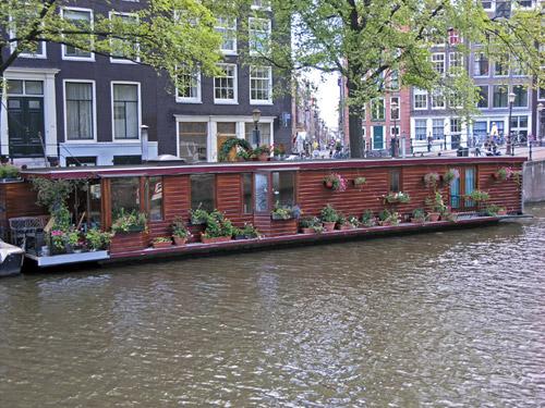 Хаусбот - собственный дом на воде. Теории и практики переезда