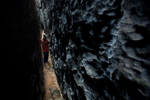 Каменный лес Мадагаскара. Заповедник Цинги-де-Бемараха - место жительства лемуров-скалолазов