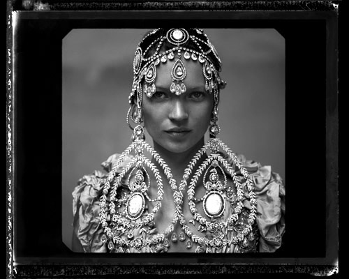 Выставка «Анни Лейбовиц. Жизнь фотографа. 1990–2005» в Эрмитаже