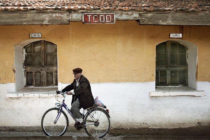 Жанровая фотография. Уличные шедевры Erdal Kenaci. Часть 3.