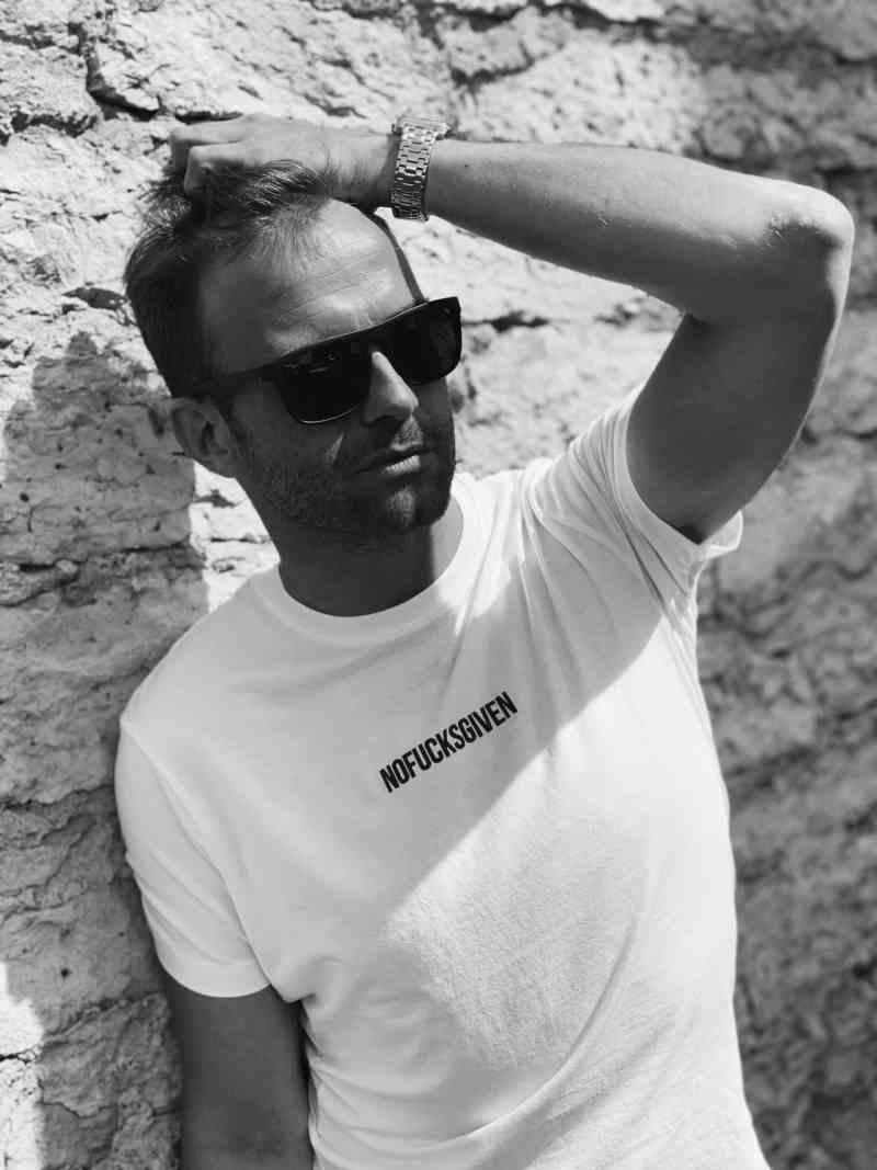 NOFUCKSGIVEN white T-shirt