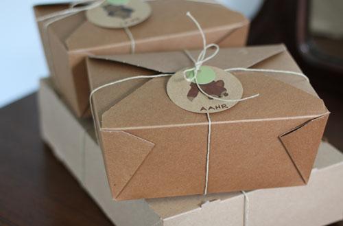 Homemade Gift Wrap - Lucky Beans - Ayyam-i-Ha Gift Guide 2013 on Alldonemonkey.com