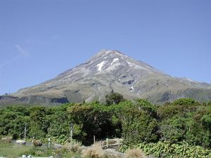 New Zealand: Maori Bread and Volcanoes {Around the World in 12 Dishes}