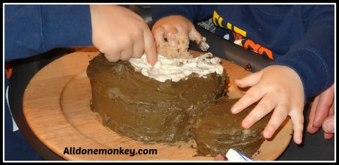 Monkey Smash Cake for Baby's First Birthday {Ultimate Guide to Baby's First Year} - Alldonemonkey.com