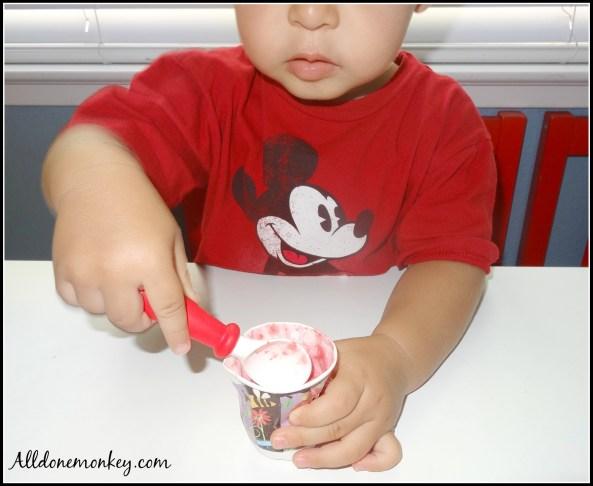 Easy Strawberry Cheesecake Pops - Alldonemonkey.com