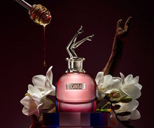 Gewinne Scandal by Night Parfums