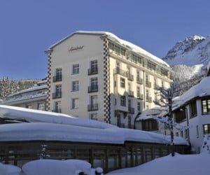 Winter-Weekend inklusive Skipass und Übernachtungen im Hotel Schweizerhof Lenzerheide gewinnen