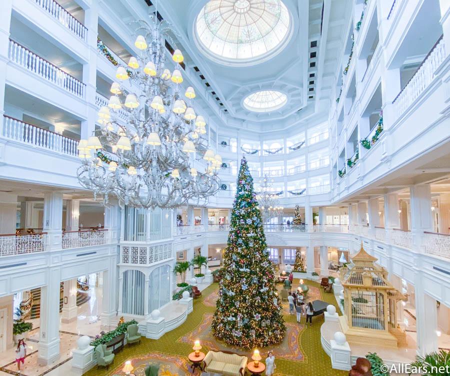 lobby-christmas-tree-christmas-holiday-d