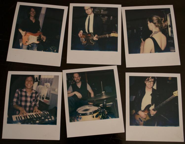 """Die deutsch-schwedische Band """"Ivy Flindt"""" mit dem hamburger Bassisten David Alleckna."""