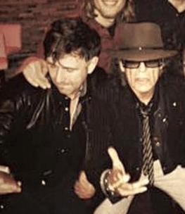 Der Sänger Udo Lindenberg und der Bassist David Alleckna nach einem gemeinsamen Konzert