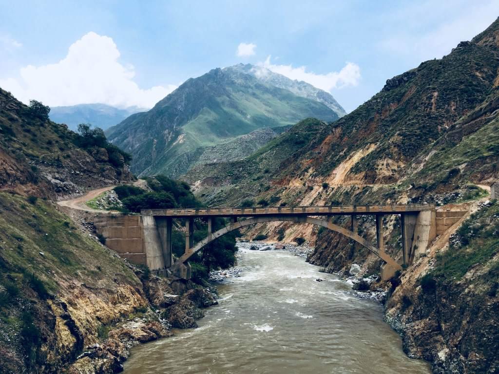 De Colca Canyon is een kloof in het zuiden van Peru