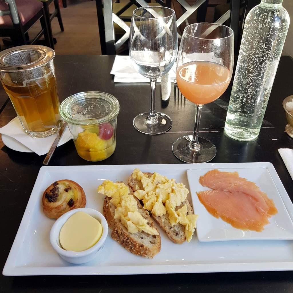 Een ontbijtje in het Les Nuits hotel in Antwerpen