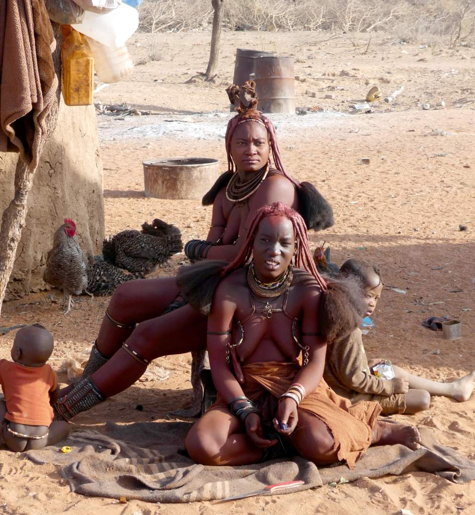 Himba dorp in het noorden van Namibie