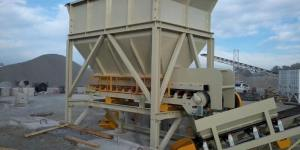 QMI Hopper and 750mm Belt Feeder
