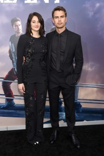 "NEW YORK, NEW YORK - MARCH 14: Actors Shailene Woodley (L) and Theo James attend the New York premiere of ""Allegiant"" at the AMC Lincoln Square Theater on March 14, 2016 in New York City. (Photo by Jamie McCarthy/Getty Images)"