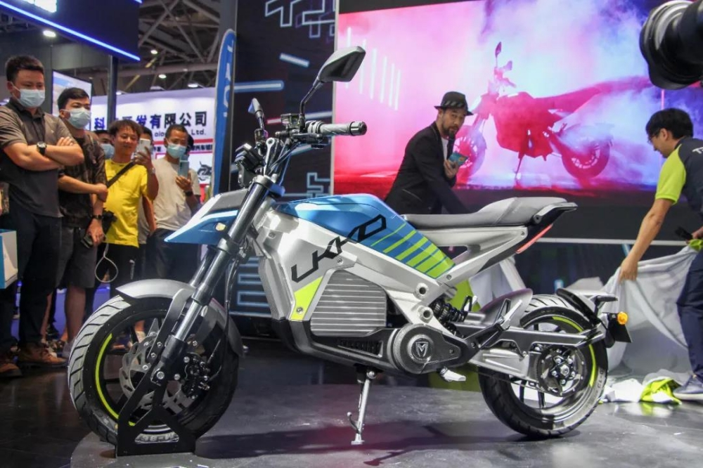 TROMOX debuted UKKO electric motorcycle on CIMA Motor 2021