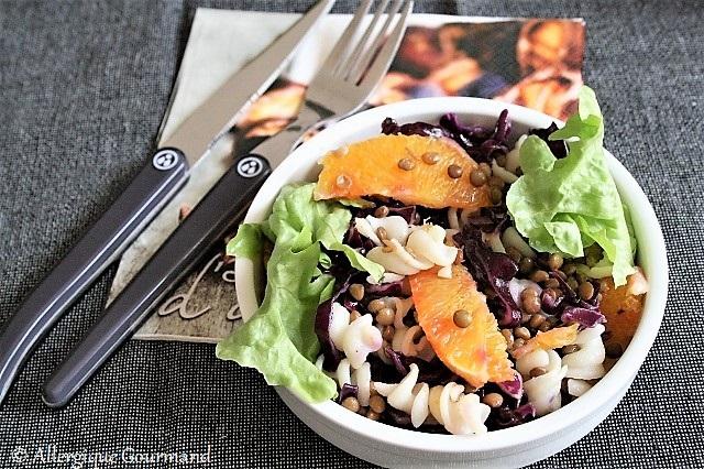 Salade de pâtes lentilles chou rouge orange
