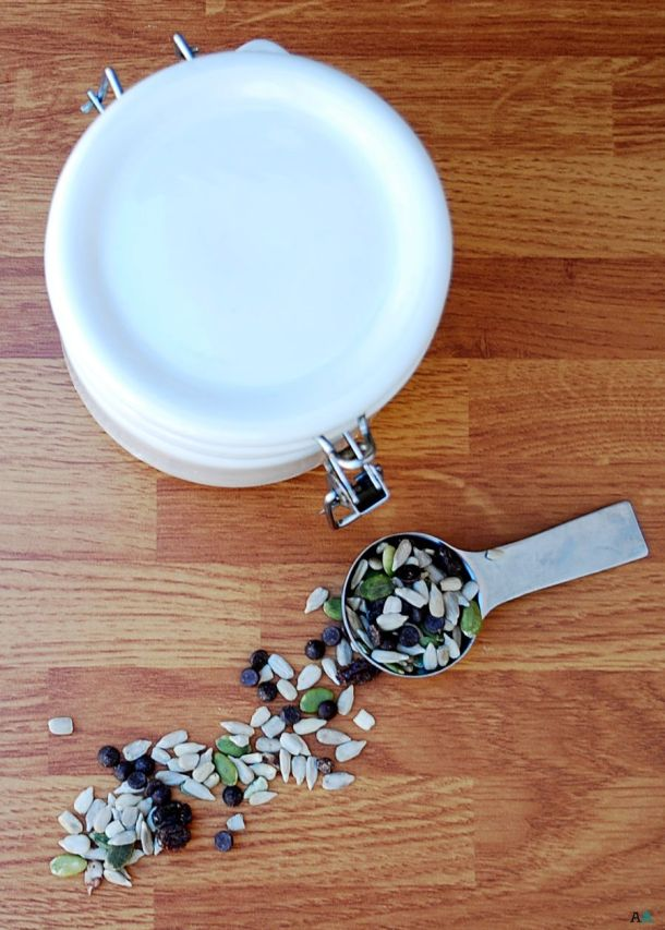 allergy-friendly homemade trail mix
