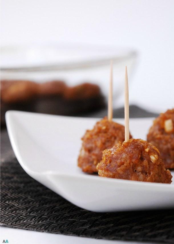 quinoa.meatballs.5x7.logo.closeup