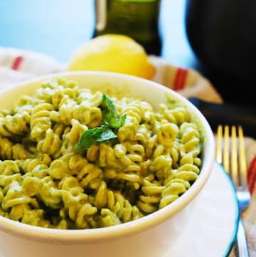 Basil, Lemon & Avocado Creamy Pasta (Gluten, Dairy, Egg, Soy, Peanut, Tree nut Free; Top 8 Free, Vegan) Recipe by AllergyAwesomeness.com