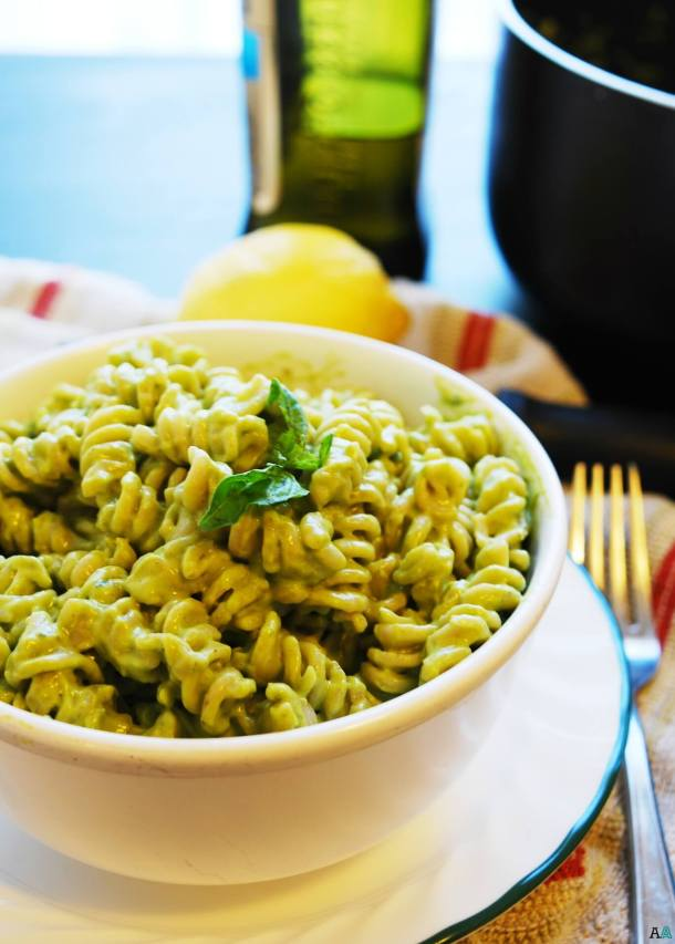 Basil, Lemon & Avocado Creamy Pasta (Gluten, Dairy, Egg, Soy, Peanut, Tree nut Free; Top 8 Free, Vegan) Recipe by AllergyAwesomeness.com