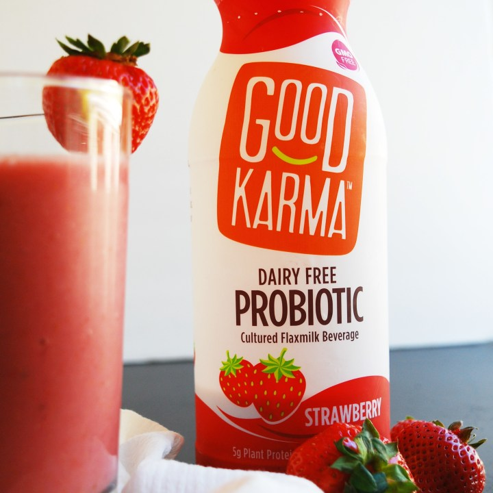 2 Ingredient Strawberry Probiotic Smoothie (Gluten, dairy, egg, soy, peanut & tree nut free; top 8 free; vegan)