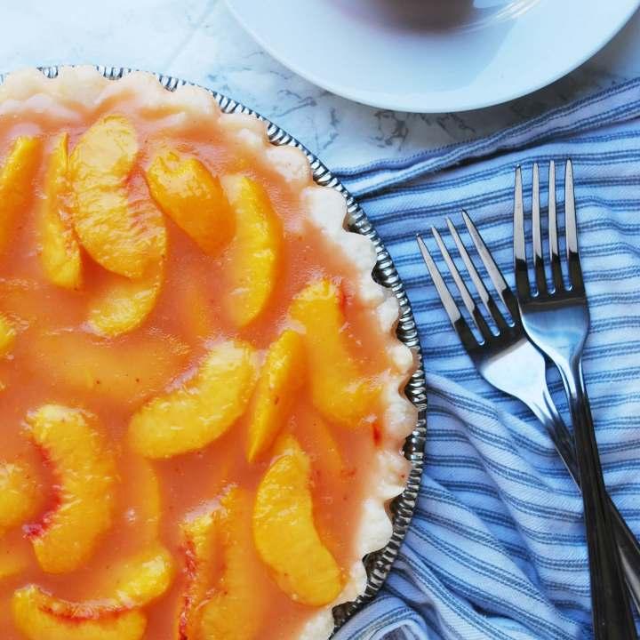 Allergy-friendly Peach Pie (Gluten, dairy, egg, soy, peanut & tree nut free; top-8-free)