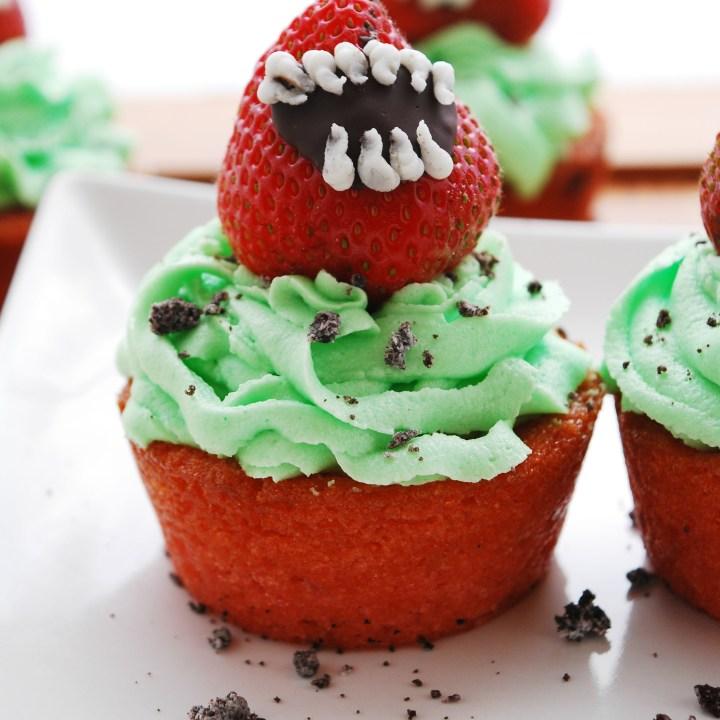 Venus Fly Trap Cupcakes (Gluten, dairy, egg, soy, peanut & tree nut free; top-8-free; vegan)
