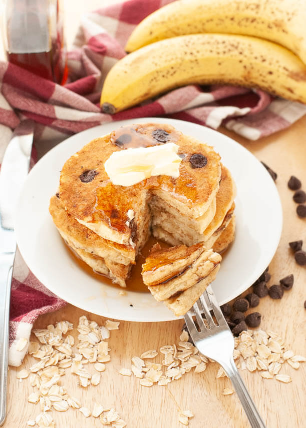 gluten-free-oatmeal-banana-chocolate-chip-pancakes
