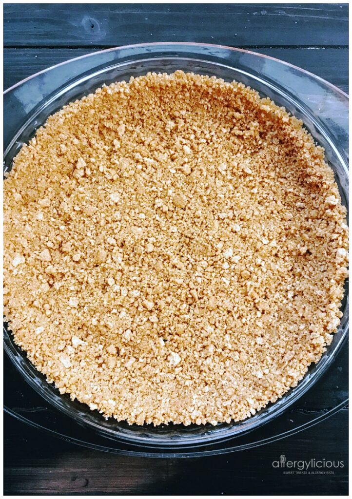 Sweet & Buttery Graham Cracker Crust for our Coconut Cream Pie