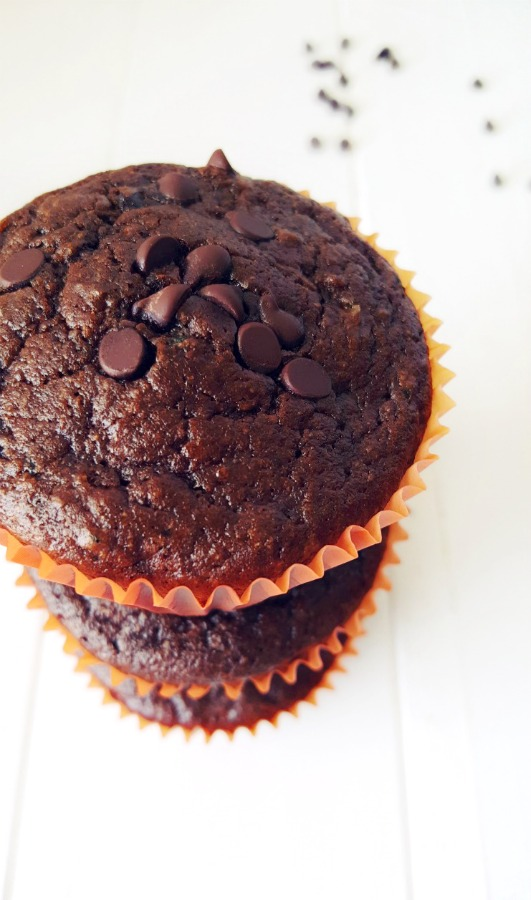 Chocolate Zucchini Muffins. Healthy enough for breakfast but indulgent enough for dessert. V, Allergy-friendly, Gluten free option.