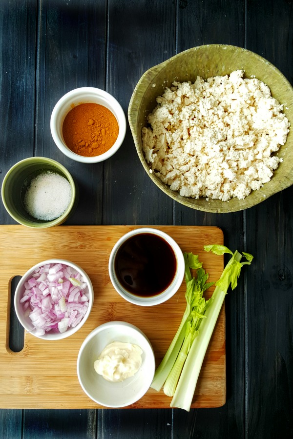 Protein packed tofu and simple ingredients used in making this eggless tofu salad