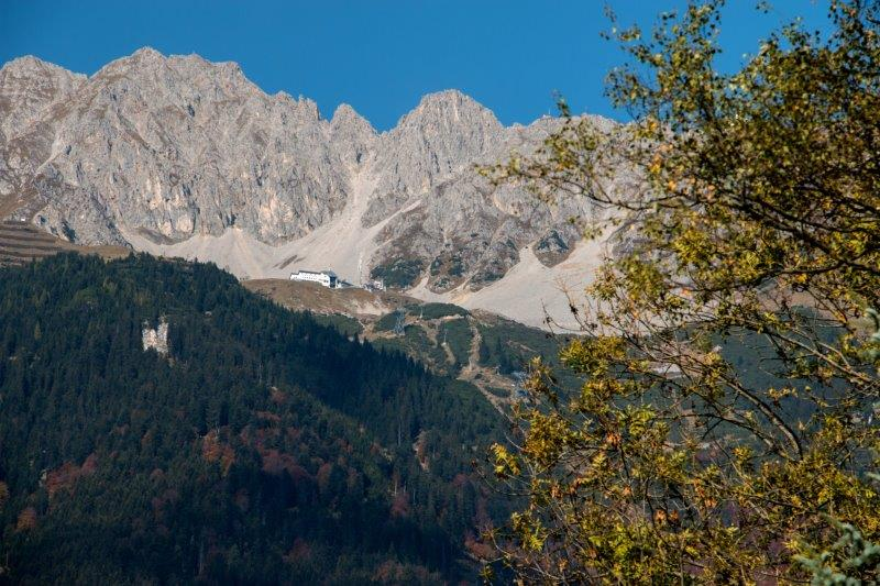 Haus Cäcilia Innsbruck   Blick Richtung Nordkette   Bild: Privat