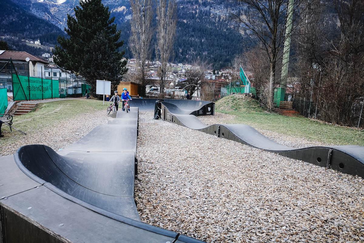 Pumptrack Thaur beim Sportplatz und Tennisplatz