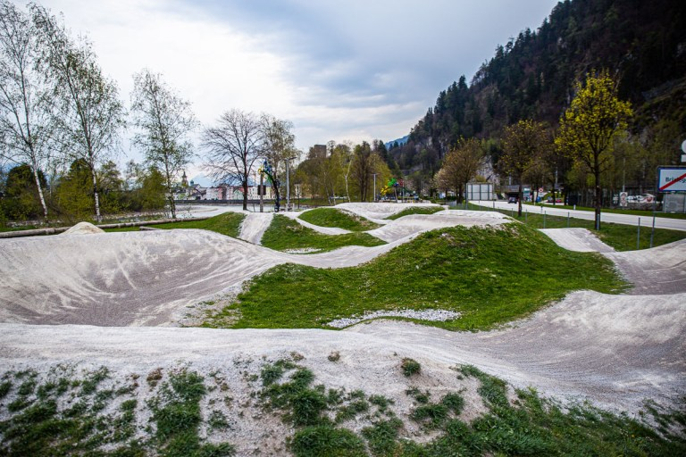 Pumptrack Rattenberg – Umfangreicher Trial am Innufer