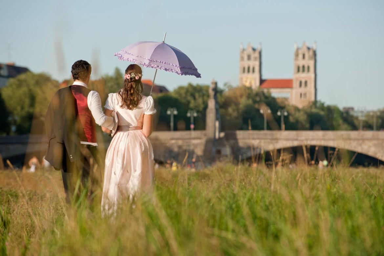 Hochzeitspaar in Tracht