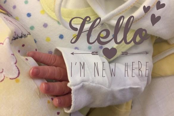 Babyhand eines Neugeborenen