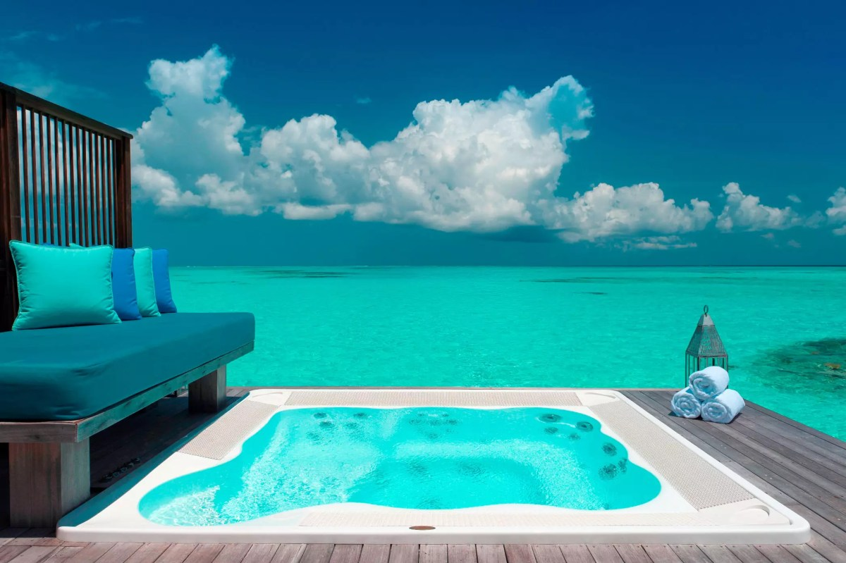 Where is the Best Honeymoon Stay in Maldives?