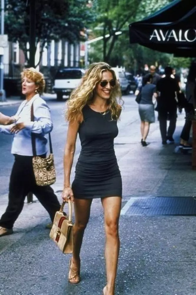 best carrie bradshaw looks according to alley girl 10