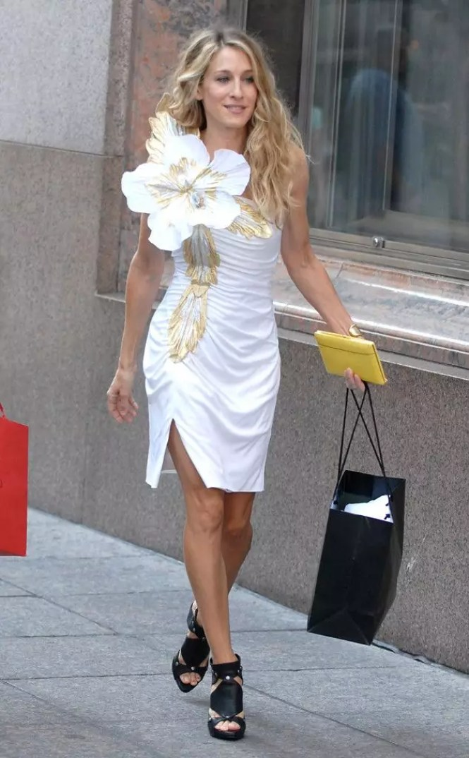 best carrie bradshaw looks according to alley girl 6
