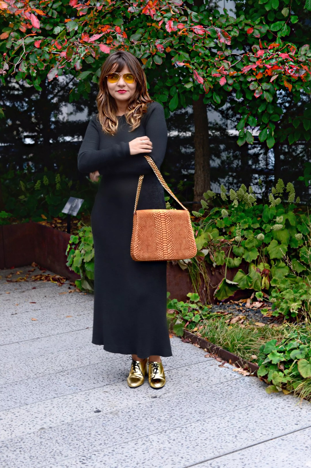 jersey-dress-gold-shoes-alley-girl-betul-yildiz-new-york-fashion-blogger-5