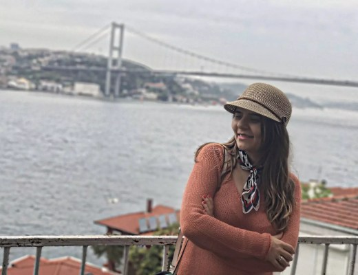5 Hidden Places in Istanbul from an Old Istanbulites Eyes alley girl - What is Babymoon? The Best Destination for Babymoon - Maldives