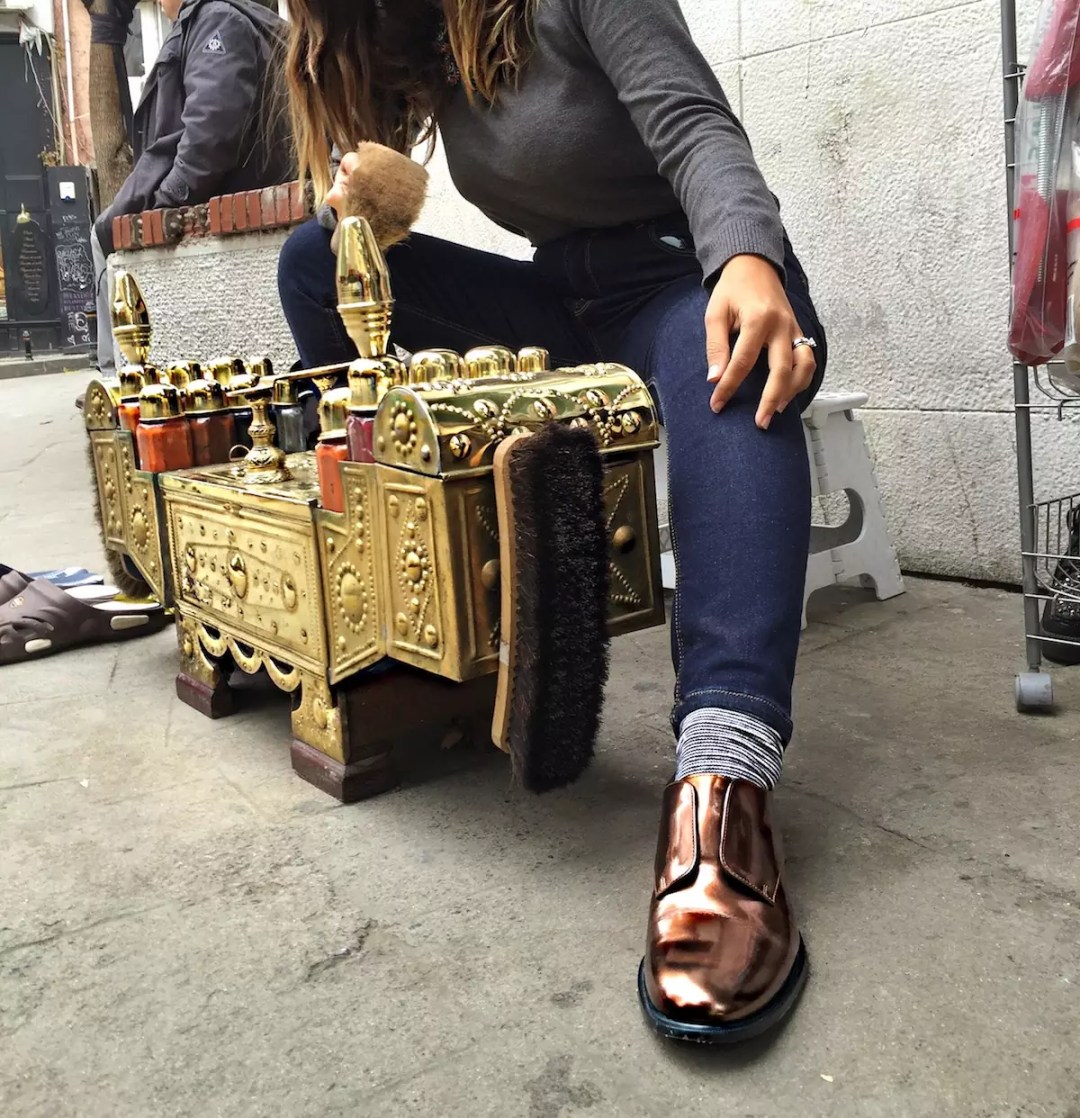 robert-clergerie-in-istanbul-alley-girl-fashion-technology-blogger