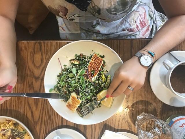 alley-girl-fashion-travel-luxury-blogger-dubai-galleria-mall-tashas-restaurant
