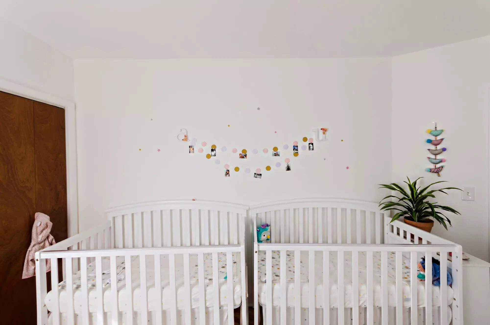 crib with sets of decoration twin rooms bassinets room ideas twins interior decorating design awesome beds boys baby for bedding best nursery green