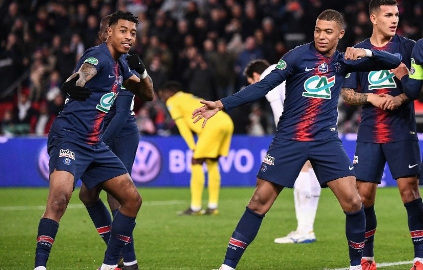 PSG players Moise Kean (left) and Kylian Mbappe (right) celebrate a goal in their 4-0 win against Strasbourg | Source: Freetips.com, PSG predicted lineup vs St Etienne