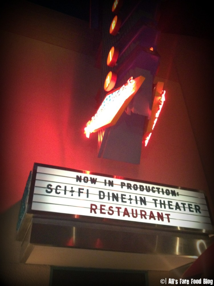 Review: Disney's Sci-Fi Dine-in Theater (1/6)