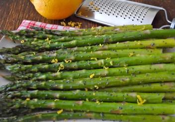 Lemon Poppy Seed Asparagus