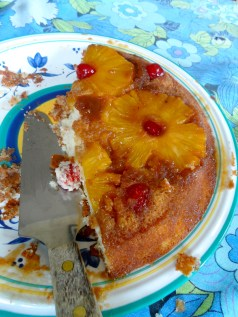 'old-fashioned' pineapple upside down cake