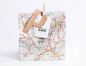 DIY road trip bag for teens - fun items and a few essentials for a road trip